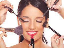 El maquillaje en la oficina de farmacia